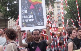 Marchhe des fiertés 2015 Sida, l'insouciance ne protège pas