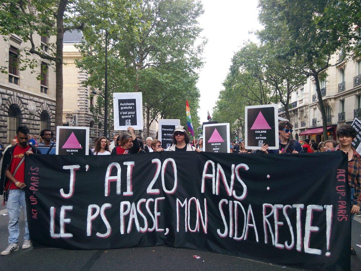 Banderole Marche des fiertés 2016