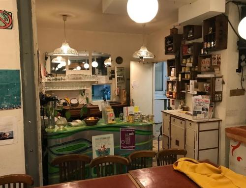 Le bar et l'accès à la cuisine